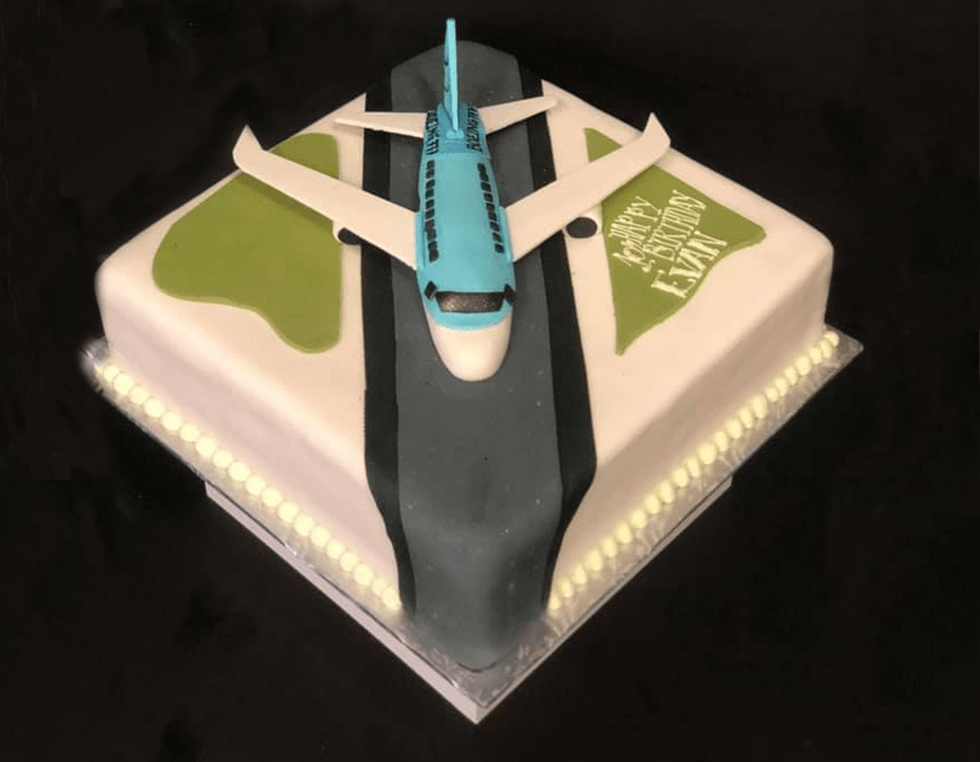 Custom Cake Design 19.jpg