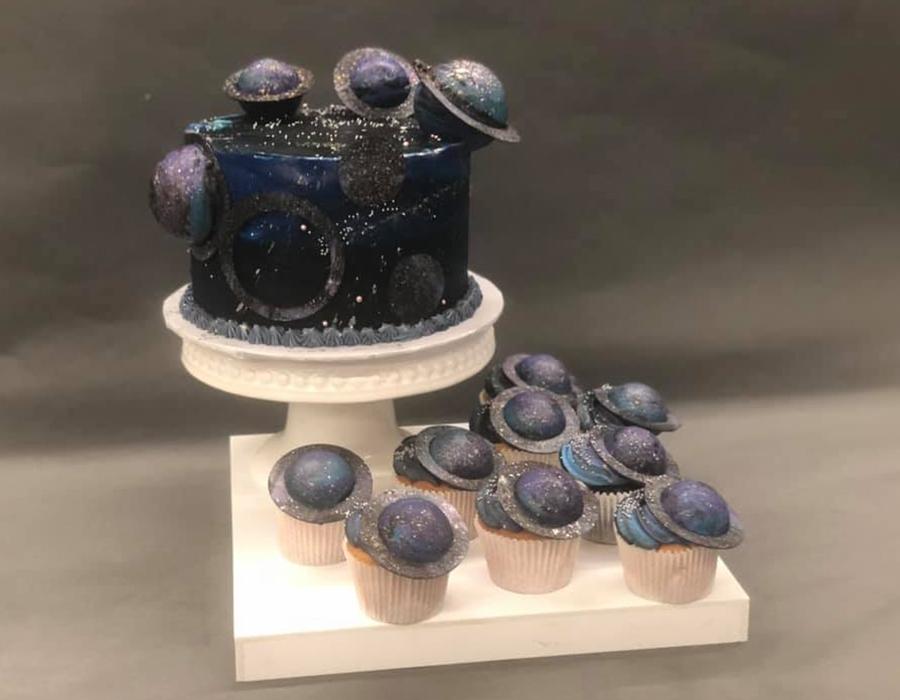 custome cake 5