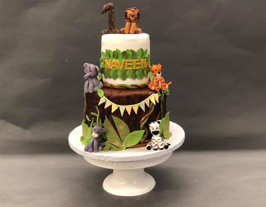 custome cake 8