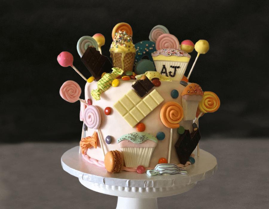Custom Cake Design 33
