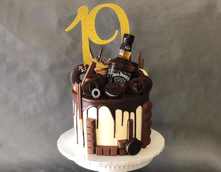 Custom Cake Design 34